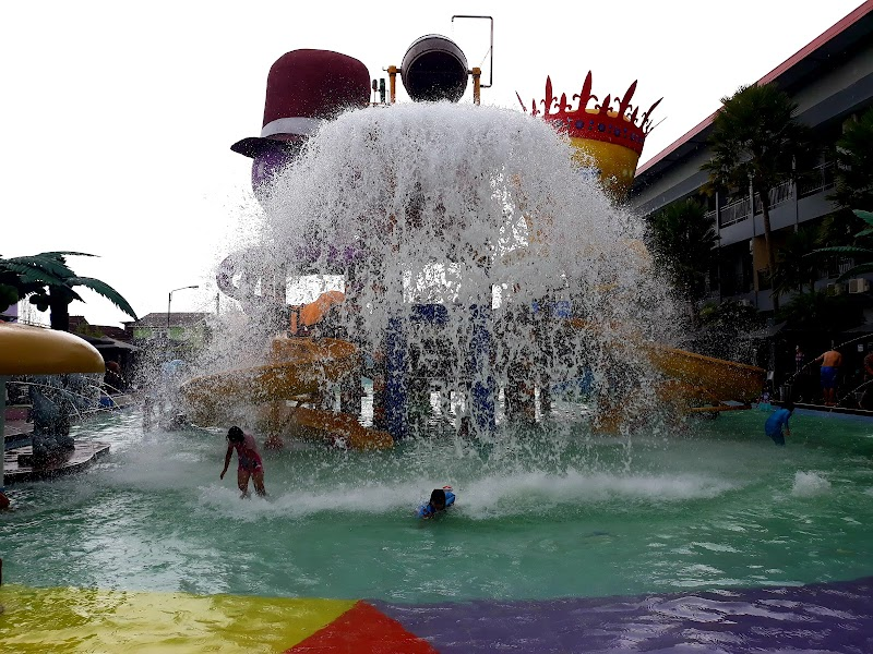 Foto van Batu Wonderland Waterpark & Resort Hotel